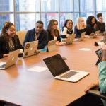 Wat doet de ondernemingsraad en wat mag je van hen verwachten?